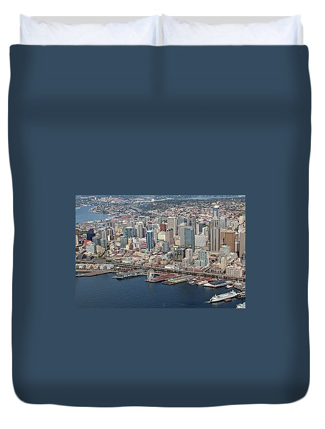Seattle Duvet Cover featuring the photograph Seattle by Paul Fell