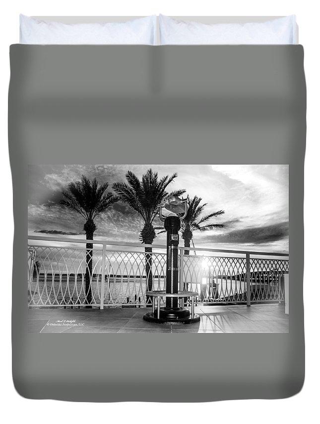 Palm Trees Duvet Cover featuring the photograph 2014 11 11 01 B Bw Destin Pm 0306 by Mark Olshefski