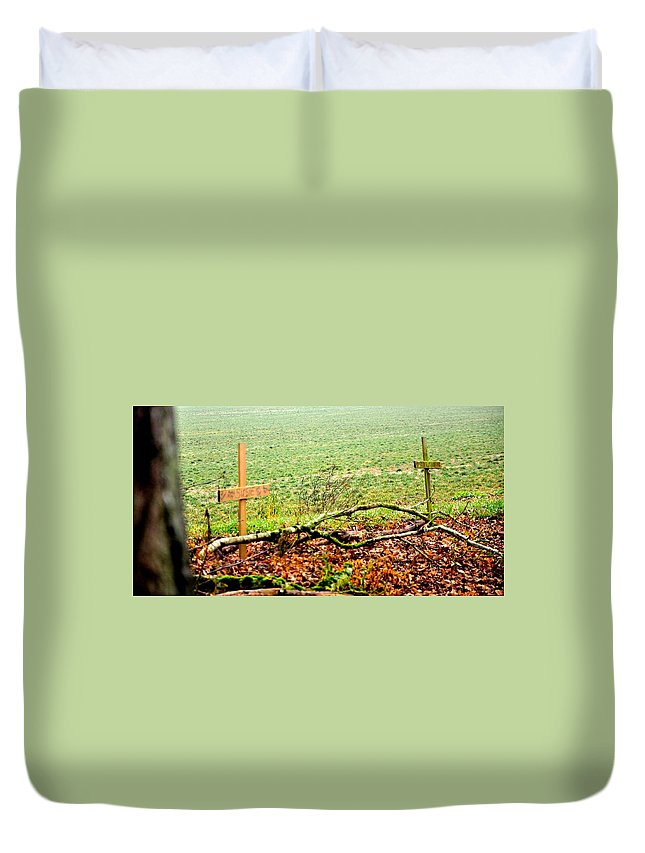 Landscape Duvet Cover featuring the photograph 20741 by Jerry Sodorff