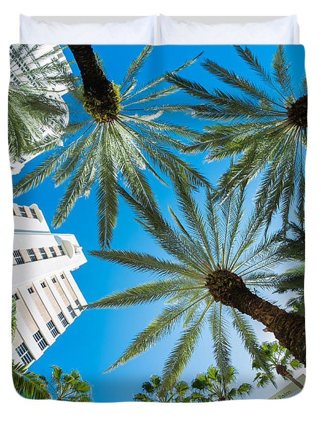 Architecture Duvet Cover featuring the photograph Miami Beach by Raul Rodriguez