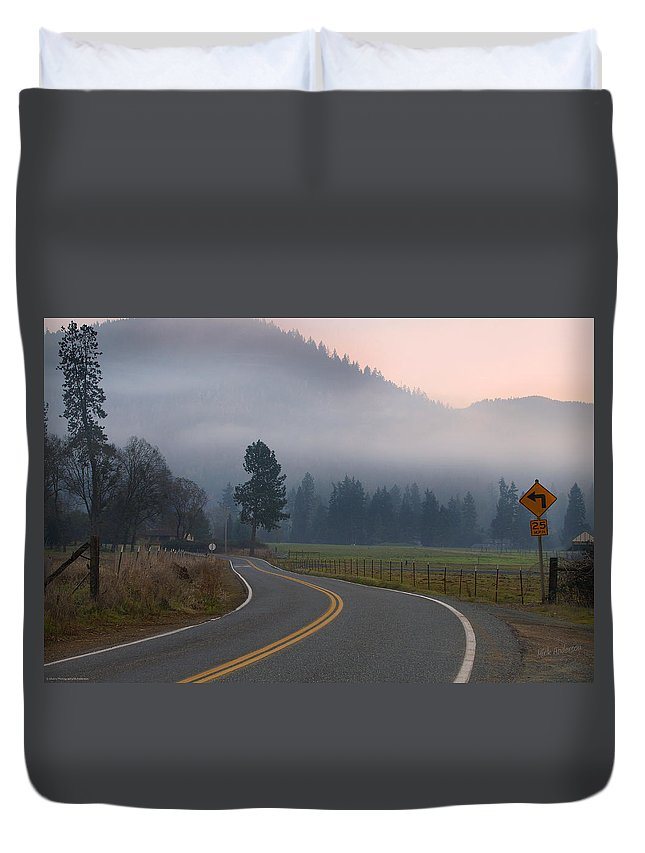 25 Mph Duvet Cover featuring the photograph 25 Mph At Dusk by Mick Anderson
