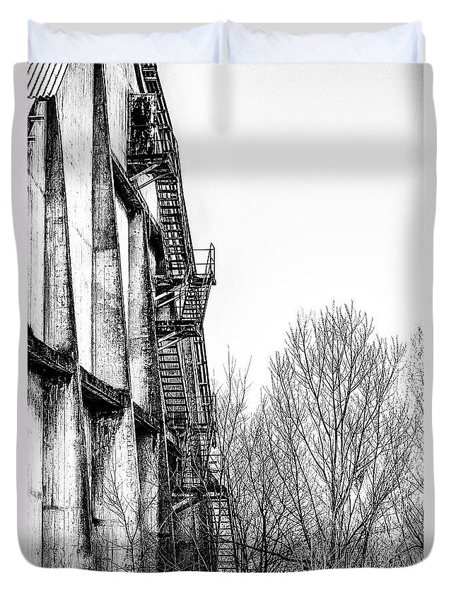 Abandoned Duvet Cover featuring the photograph Abandoned Sugarmill by Traven Milovich
