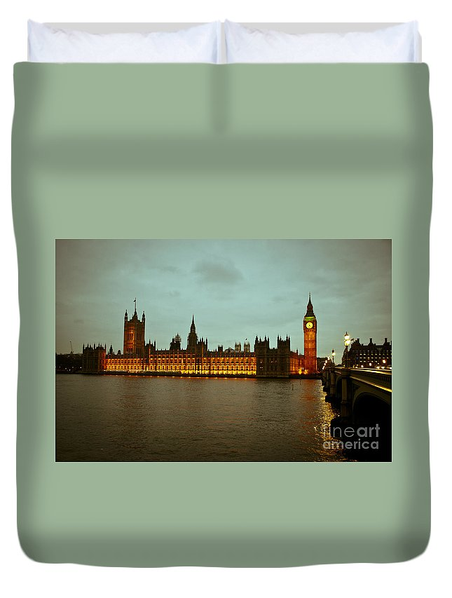 Big Ben Duvet Cover featuring the photograph Big Ben And Houses Of Parliament by Lana Enderle