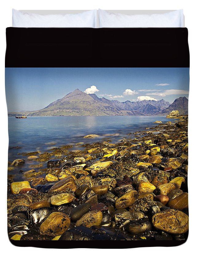 Elgol Duvet Cover featuring the photograph Elgol by David Pringle