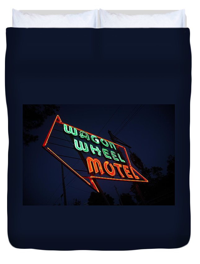 66 Duvet Cover featuring the photograph Route 66 - Wagon Wheel Motel by Frank Romeo
