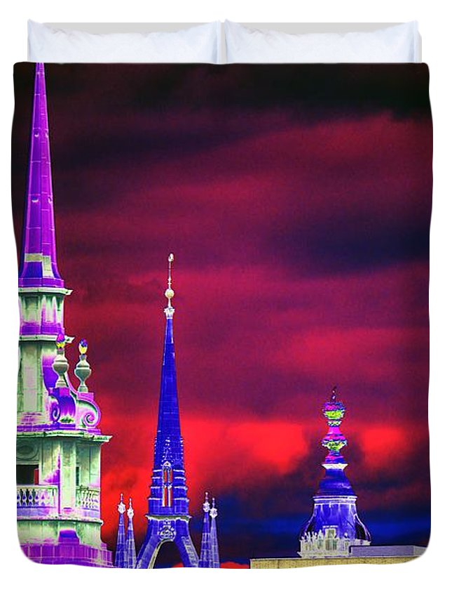 Psychedelic Duvet Cover featuring the photograph 3 Spires by Richard Henne