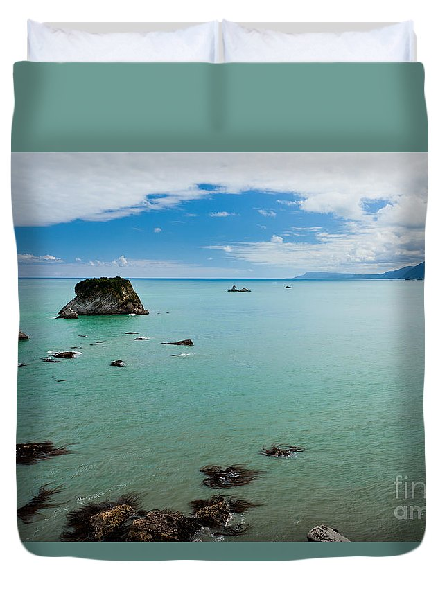 South Island Duvet Cover featuring the photograph Tasman Sea At West Coast Of South Island Of Nz by Stephan Pietzko