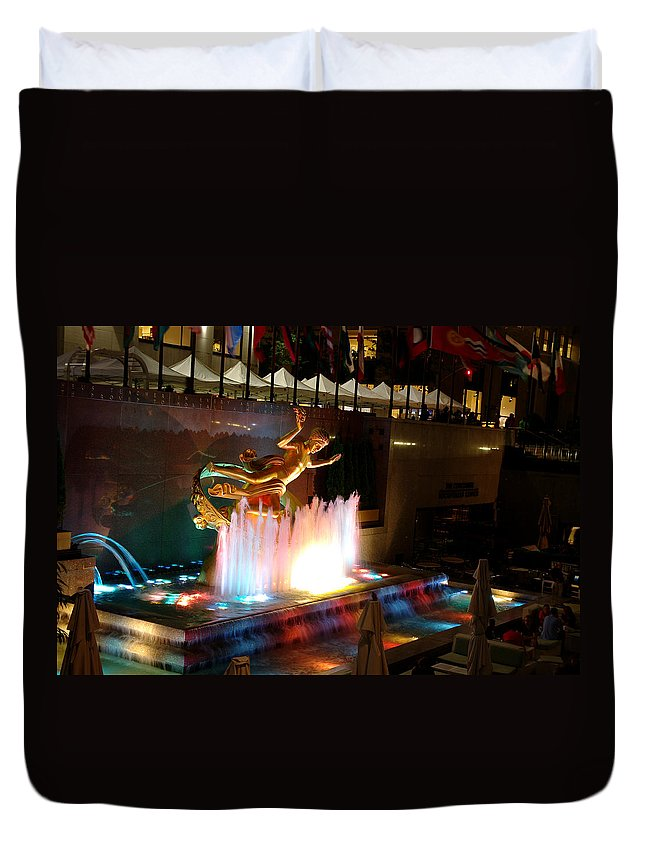 Fountain Duvet Cover featuring the photograph 30 Rock Fountain by Larry Jost