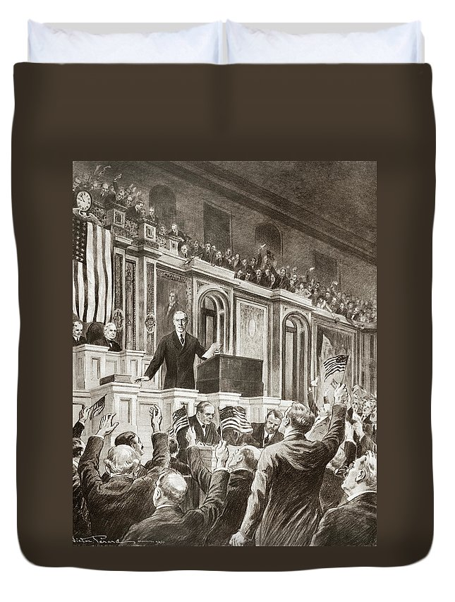 1917 Duvet Cover featuring the drawing Woodrow Wilson (1856-1924) by Granger