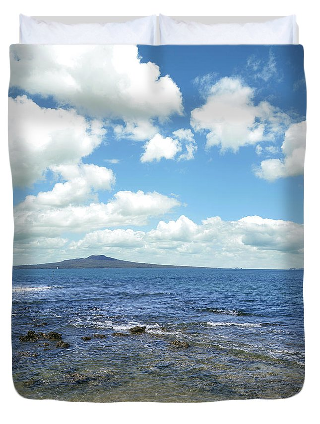 New Zealand Duvet Cover featuring the photograph New Zealand by Les Cunliffe