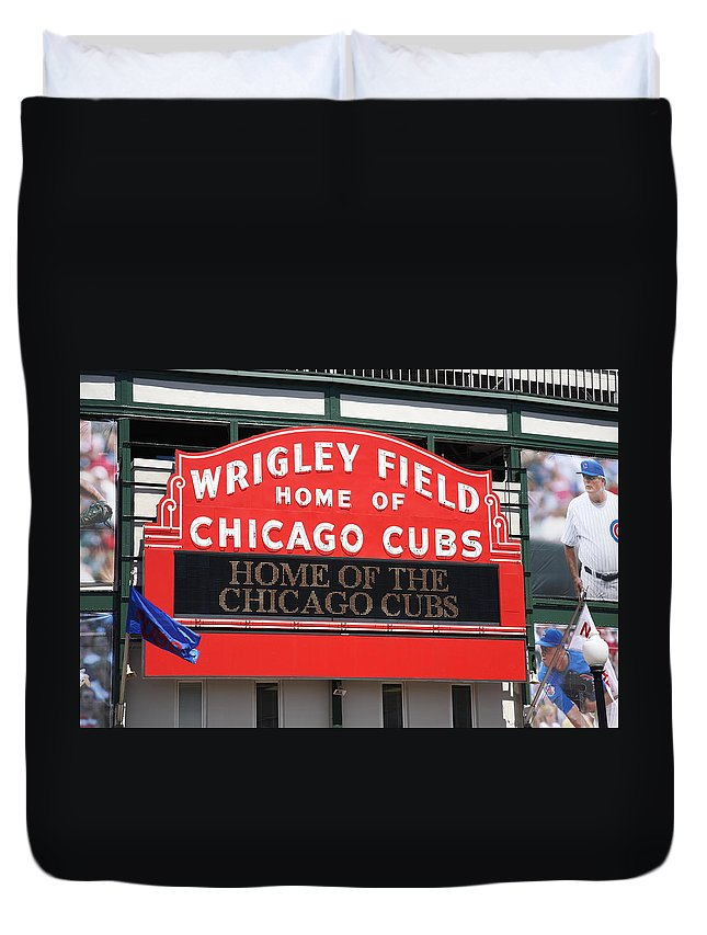 Addison Duvet Cover featuring the photograph Chicago Cubs - Wrigley Field by Frank Romeo