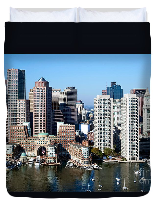 New England Duvet Cover featuring the photograph Downtown Boston Skyline by Bill Cobb