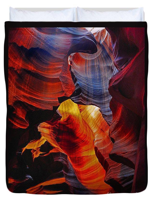 Antelope Canyon Duvet Cover featuring the photograph Antelope Canyon - Arizona by Yefim Bam