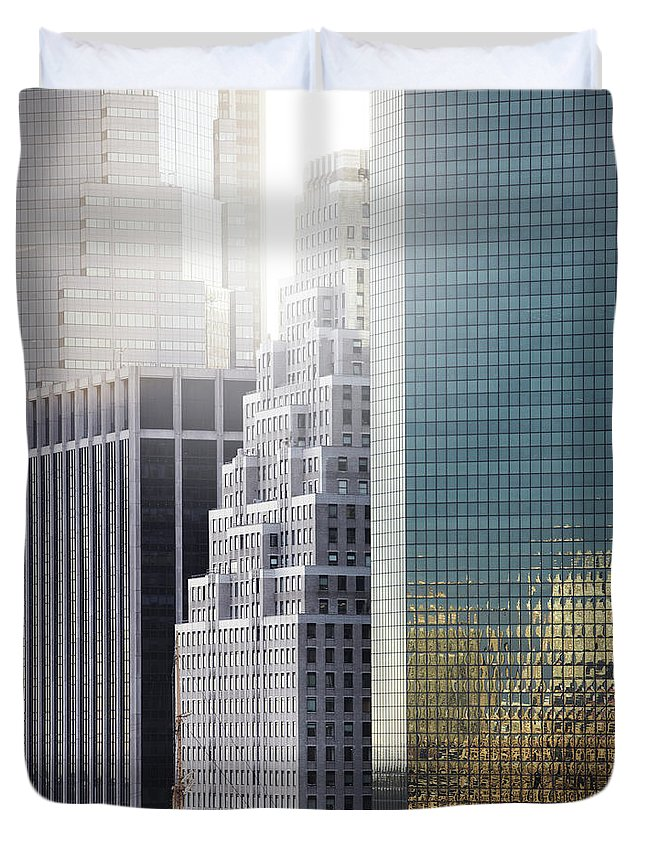 Tranquility Duvet Cover featuring the photograph New York by Henrik Sorensen