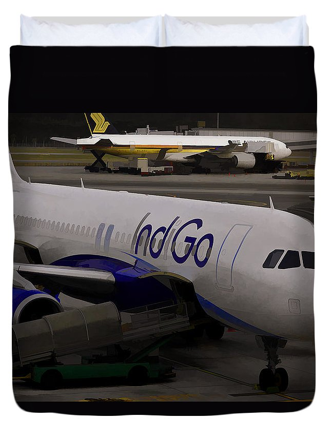 Aerobridge Duvet Cover featuring the photograph Indigo Aircraft Getting Ready In Changi Airport by Ashish Agarwal