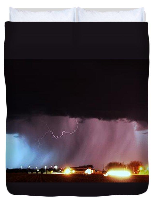 Stormscape Duvet Cover featuring the photograph Late Evening Nebraska Thunderstorm by NebraskaSC