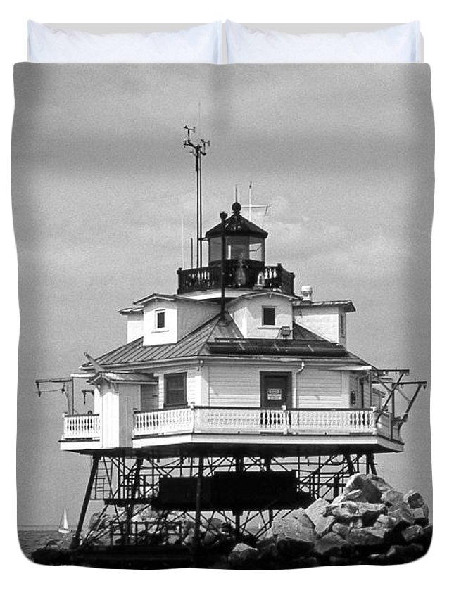 Lighthouses Duvet Cover featuring the photograph Thomas Point Shoal Lighthouse by Skip Willits