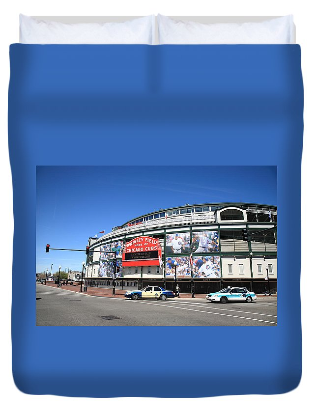 Addison Duvet Cover featuring the photograph Wrigley Field - Chicago Cubs by Frank Romeo