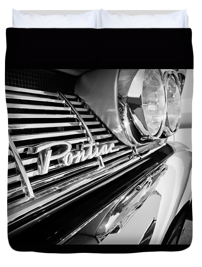 1961 Pontiac Catalina Grille Emblem Duvet Cover featuring the photograph 1961 Pontiac Catalina Grille Emblem by Jill Reger