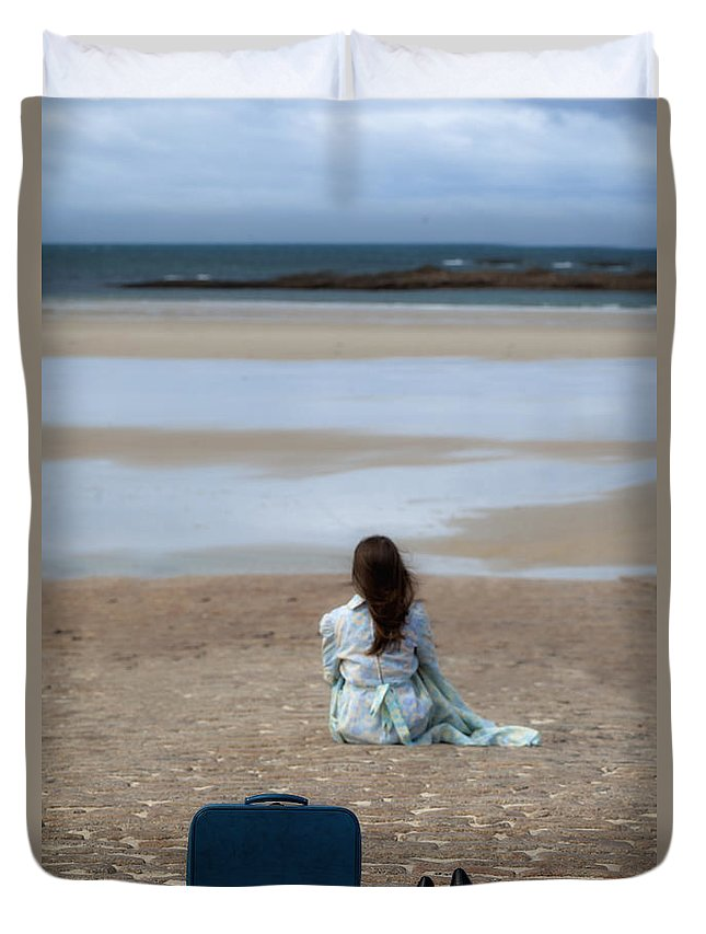 Woman Duvet Cover featuring the photograph Waiting by Joana Kruse