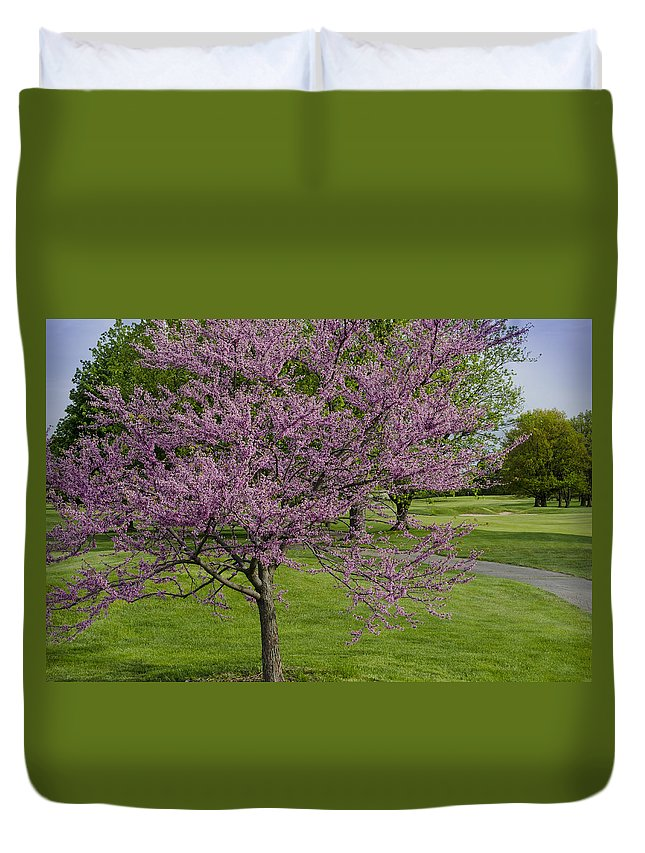 Beautiful Golf Course Duvet Cover featuring the photograph Forest Akers - Blooming by Gej Jones