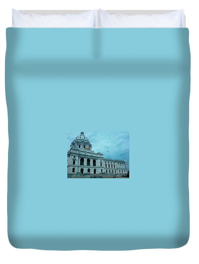 Minnesota State Capitol Duvet Cover featuring the photograph Minnesota State Capitol by Alfie Martin