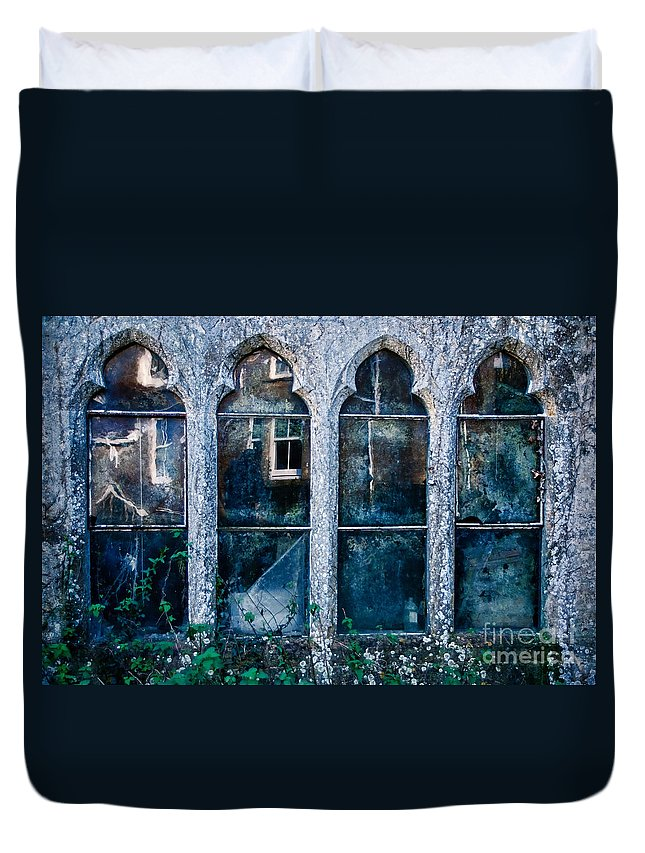 Powerstock Duvet Cover featuring the photograph A Face At The Window by Susie Peek