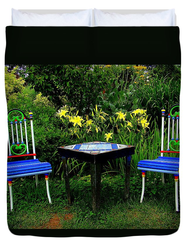 Fine Art Duvet Cover featuring the photograph A Great Place For Lunch by Rodney Lee Williams