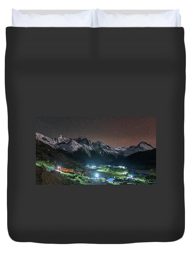 Horizontal Duvet Cover featuring the photograph A Starry Night In Laigu Village, Tibet by Jeff Dai