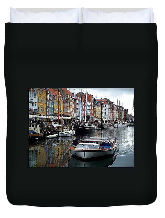 Nyhavn Duvet Cover featuring the photograph A Tour Boat At Nyhavn by Richard Rosenshein