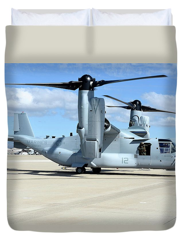 Marine Corps Air Station Miramar Duvet Cover featuring the photograph A U.s. Marine Corps Mv-22b Osprey by Riccardo Niccoli