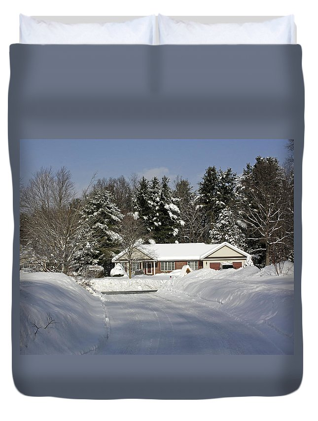 Wintery Scenery Duvet Cover featuring the photograph A Wintery Look Up A Driveway On Conifer Drive by James Connor