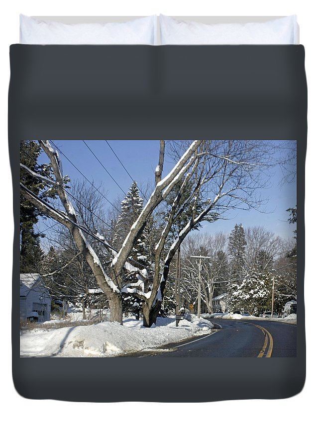 Wintery Scenery Duvet Cover featuring the photograph A Wintery View Along Charlton Road by James Connor