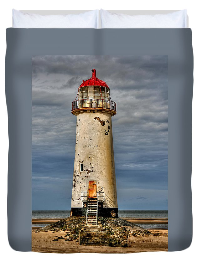 Beach Duvet Cover featuring the photograph Abandoned by Adrian Evans