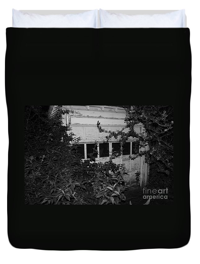 Abandoned And Old Duvet Cover featuring the photograph Abandoned And Old by John Telfer
