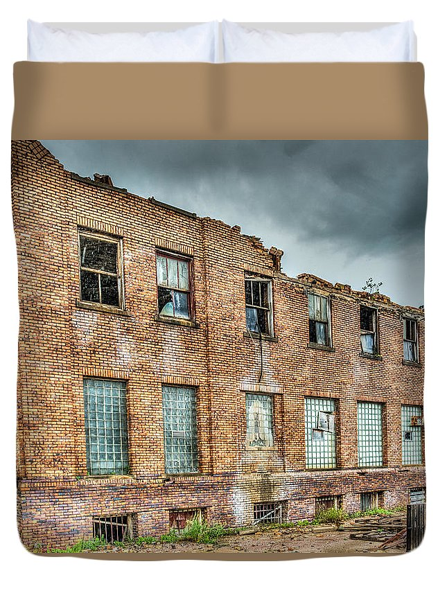 Old Duvet Cover featuring the photograph Abandoned Brick Building by Paul Freidlund