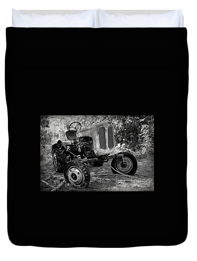 Tractor Duvet Cover featuring the photograph Abandoned by Clare Bevan