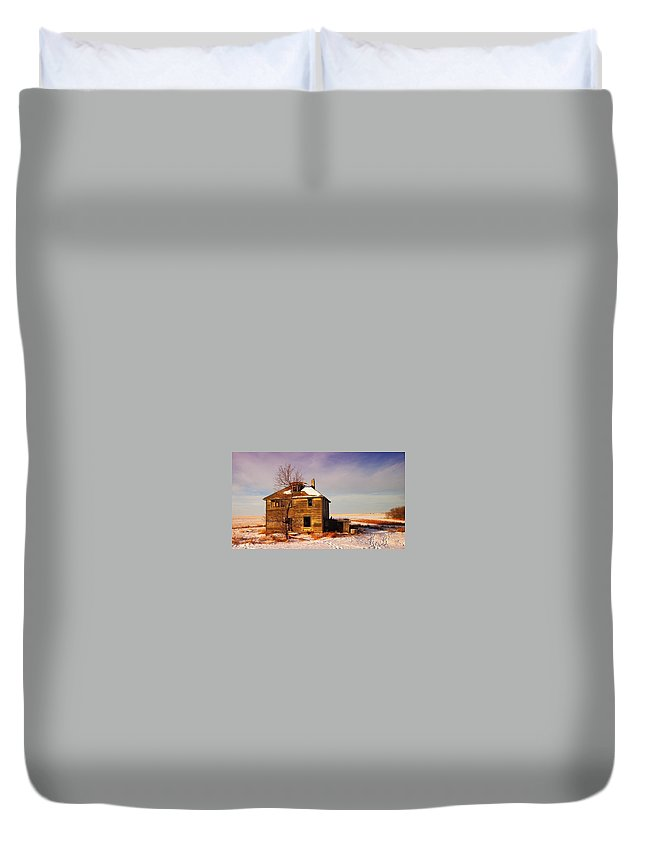 Abandoned Duvet Cover featuring the photograph Abandoned House by Jeff Swan
