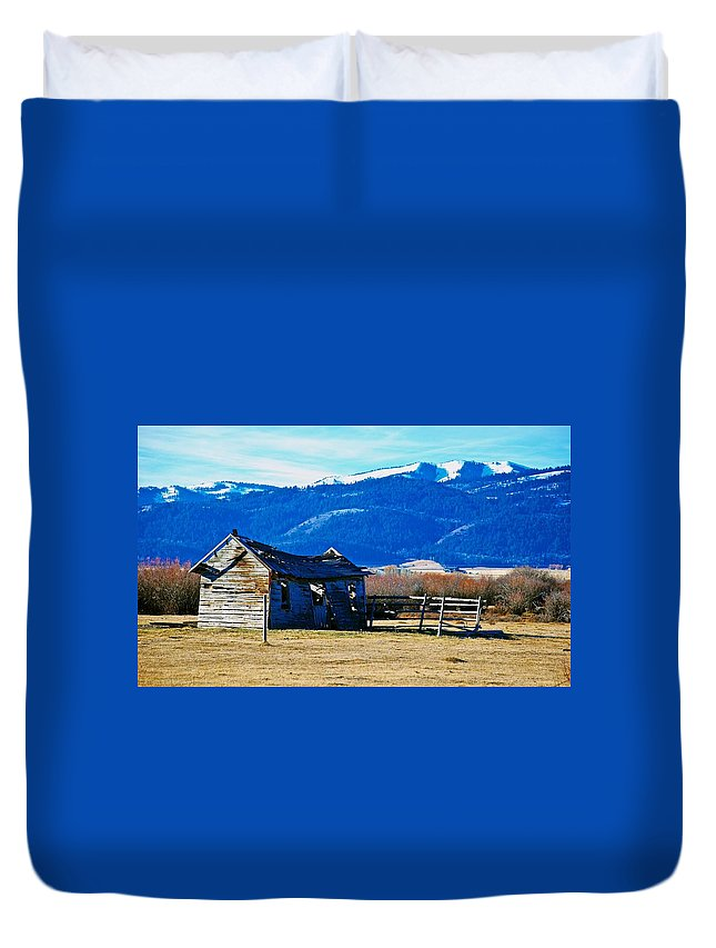 Teton Valley Duvet Cover featuring the photograph Abandoned Summer Home by Eric Tressler