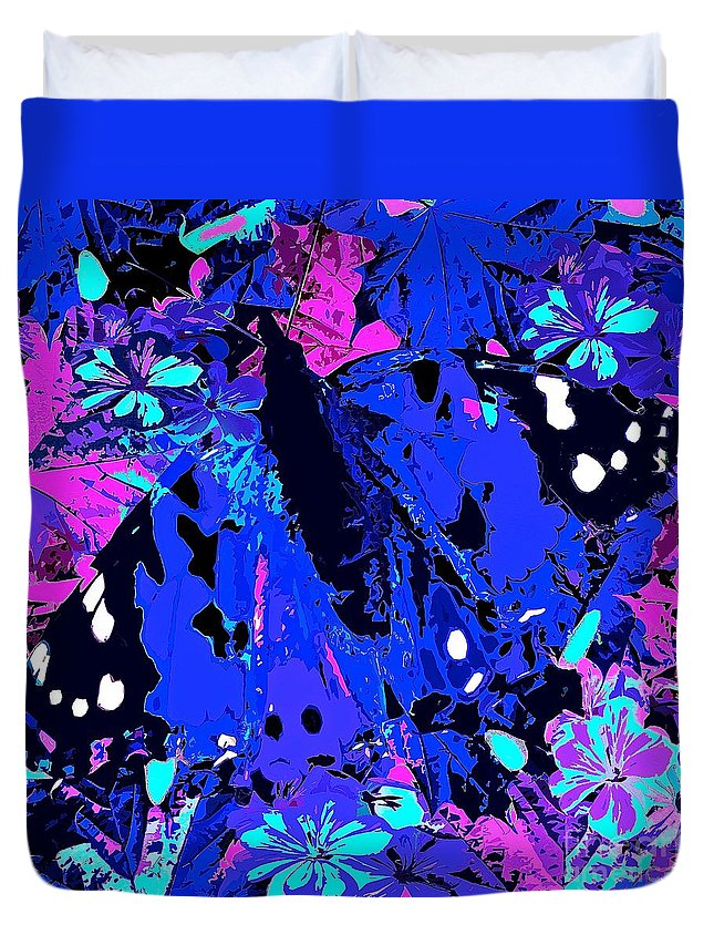 Abstract Art Duvet Cover featuring the painting Abstract Butterfly #2 by Saundra Myles