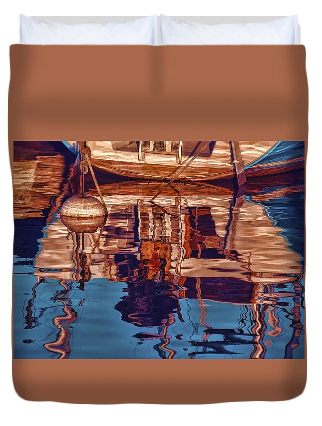 Abstract Duvet Cover featuring the painting Abstract Reflections by Muhie Kanawati