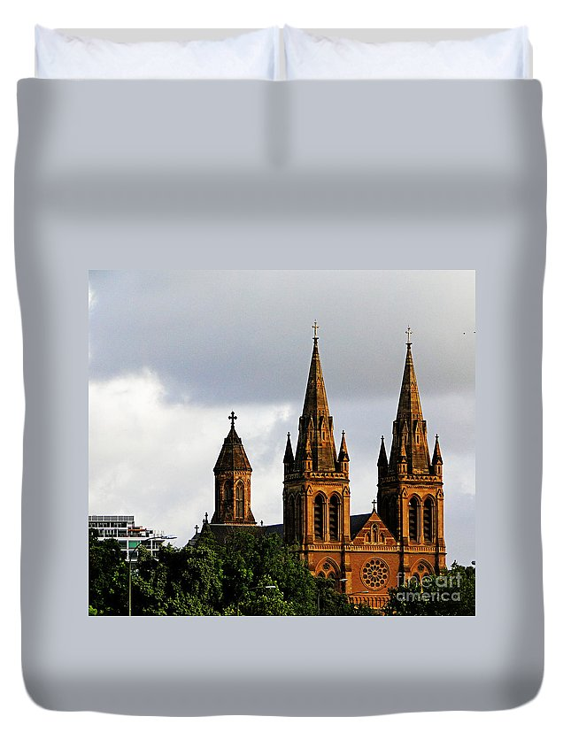 Australia Duvet Cover featuring the photograph Adelaide 3 by Ben Yassa