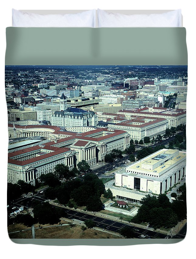 Downtown District Duvet Cover featuring the photograph Aerial View Of Constitution Avenue by Hisham Ibrahim