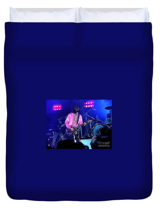 Aerosmith Duvet Cover featuring the photograph Aerosmith-joe Perry-00134-2 by Gary Gingrich Galleries