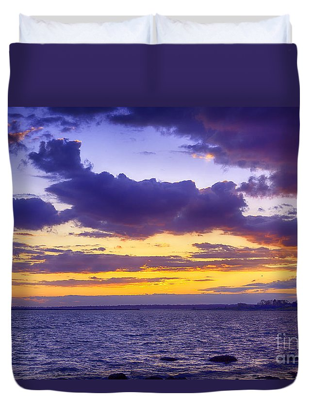 Sun Duvet Cover featuring the photograph After Show by Joe Geraci