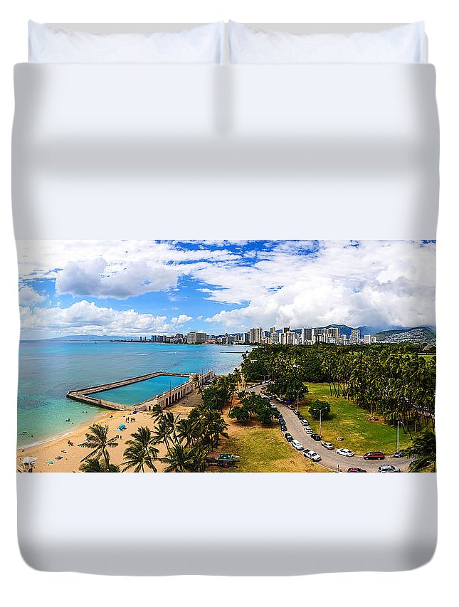 Paradise Duvet Cover featuring the photograph Afternoon On Waikiki by Jason Chu