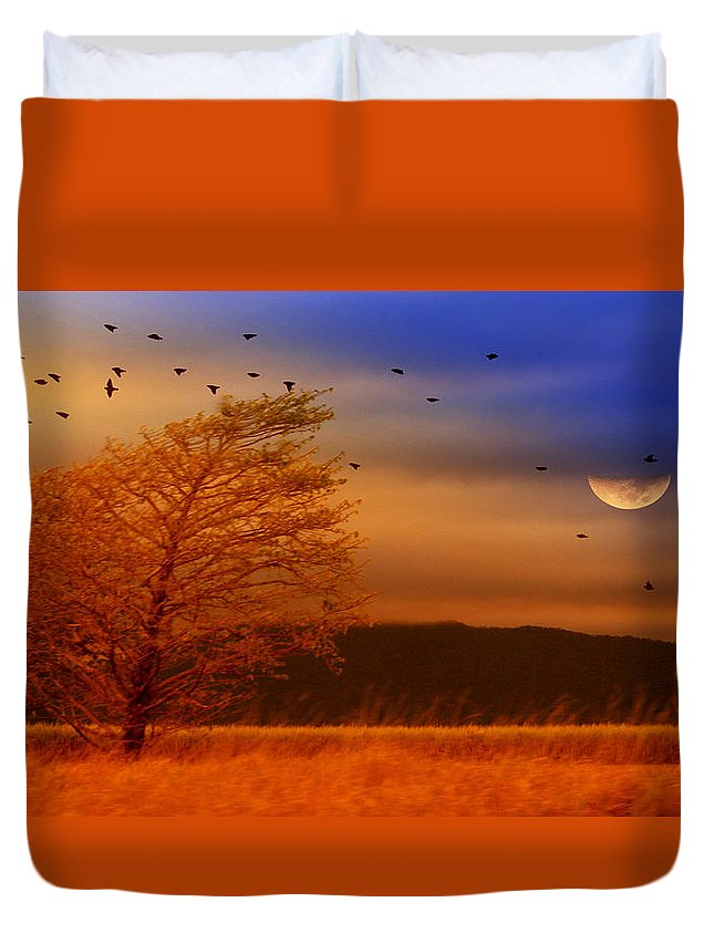 Landscape Duvet Cover featuring the photograph Against The Wind by Holly Kempe