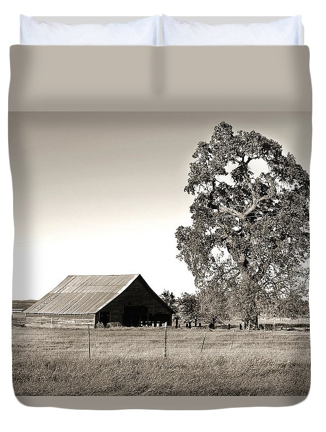 Barn Duvet Cover featuring the photograph Ageless With Time by Shawn McMillan