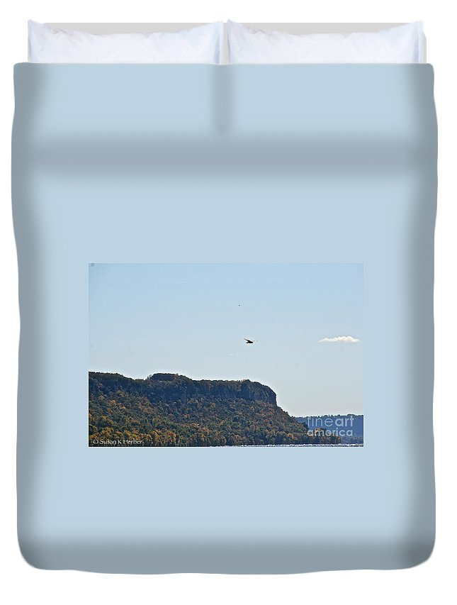 Horticulture Duvet Cover featuring the photograph Air Currents by Susan Herber