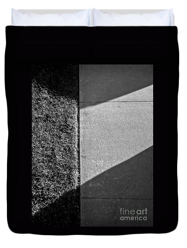 Abstract Duvet Cover featuring the photograph Airy Light by Fei A